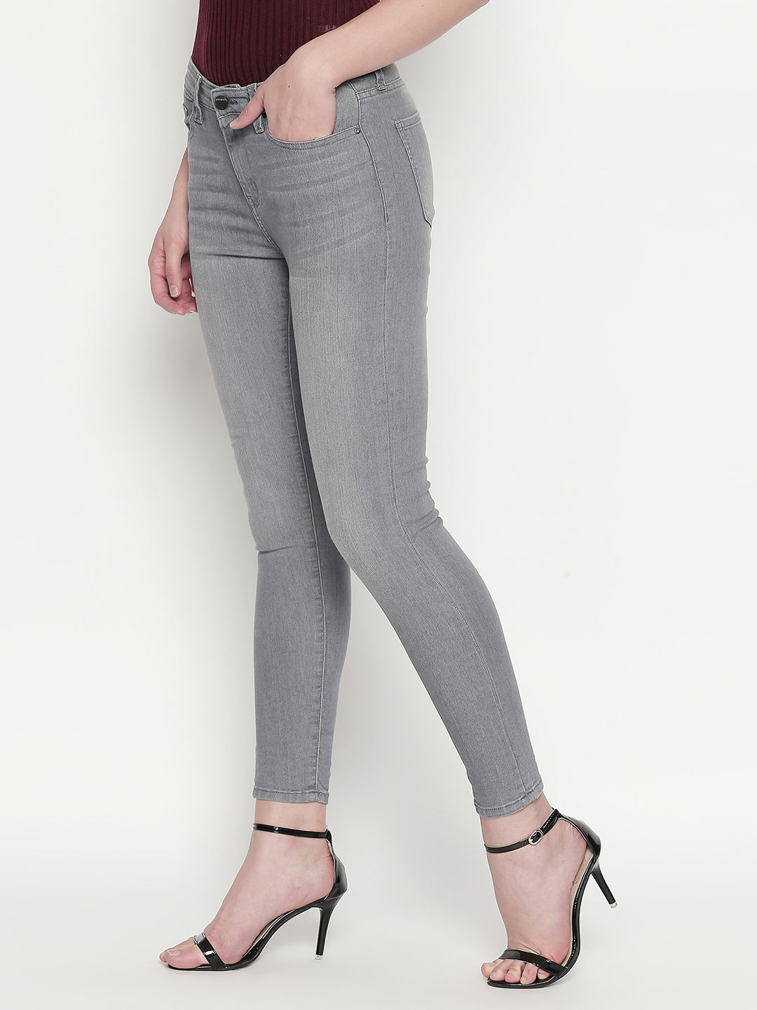 Grey Solid Slim Fit Jeans