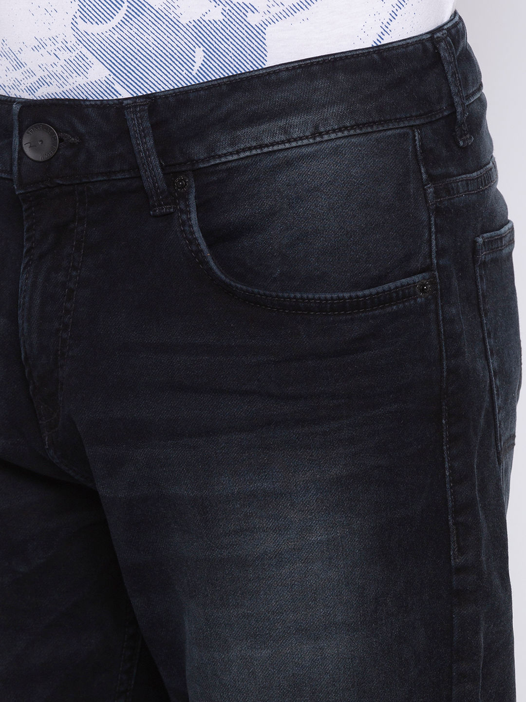 Black Solid Straight Fit Jeans
