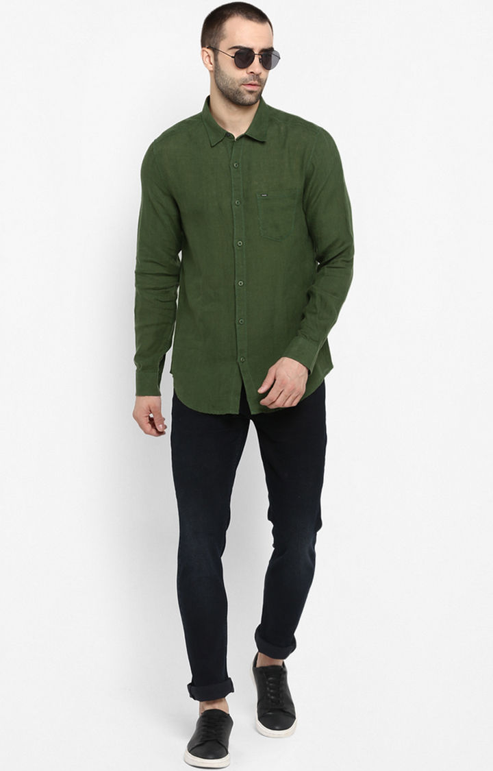 Green Solid Slim Fit Casual Shirts