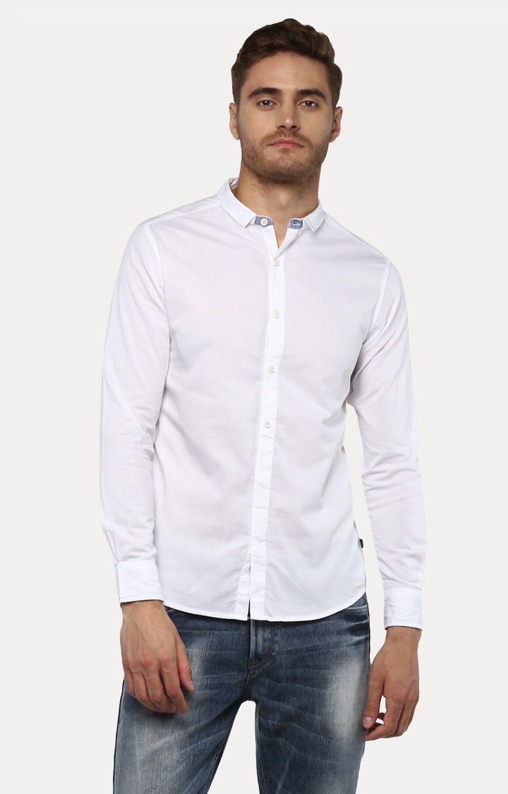 White Solid Slim Fit Casual Shirts