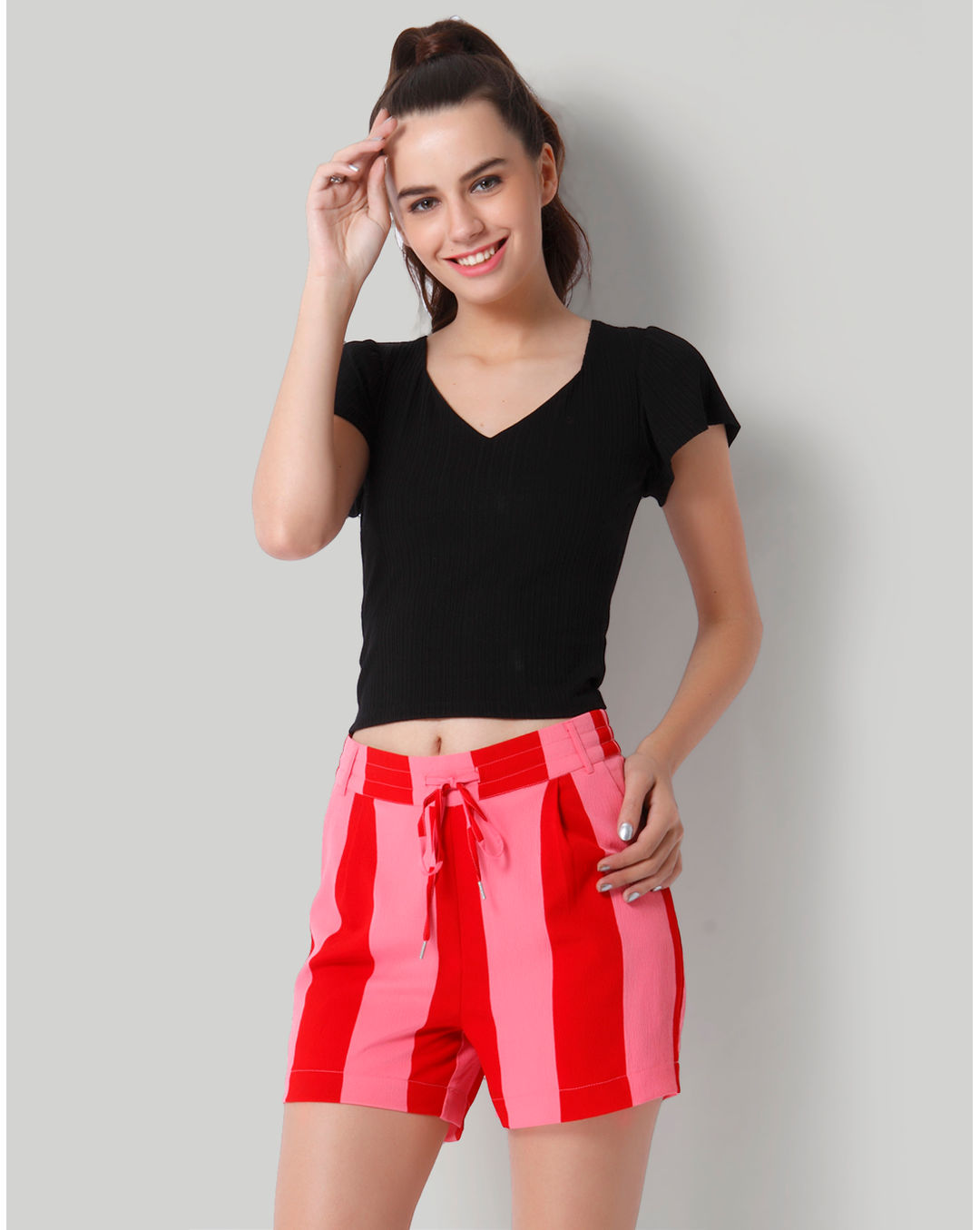 bc7c505cf87 Buy Only Black Solid Short Sleeve Crop Top Online | ONLY