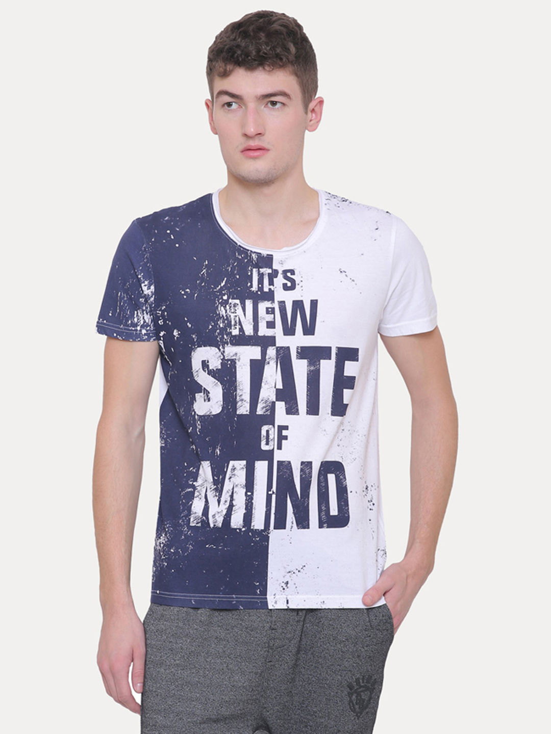 WHITE AND BLUE PRINTED T-SHIRT