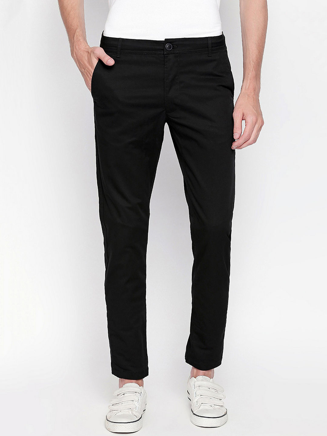 BLACK SOLID STRAIGHT CHINOS