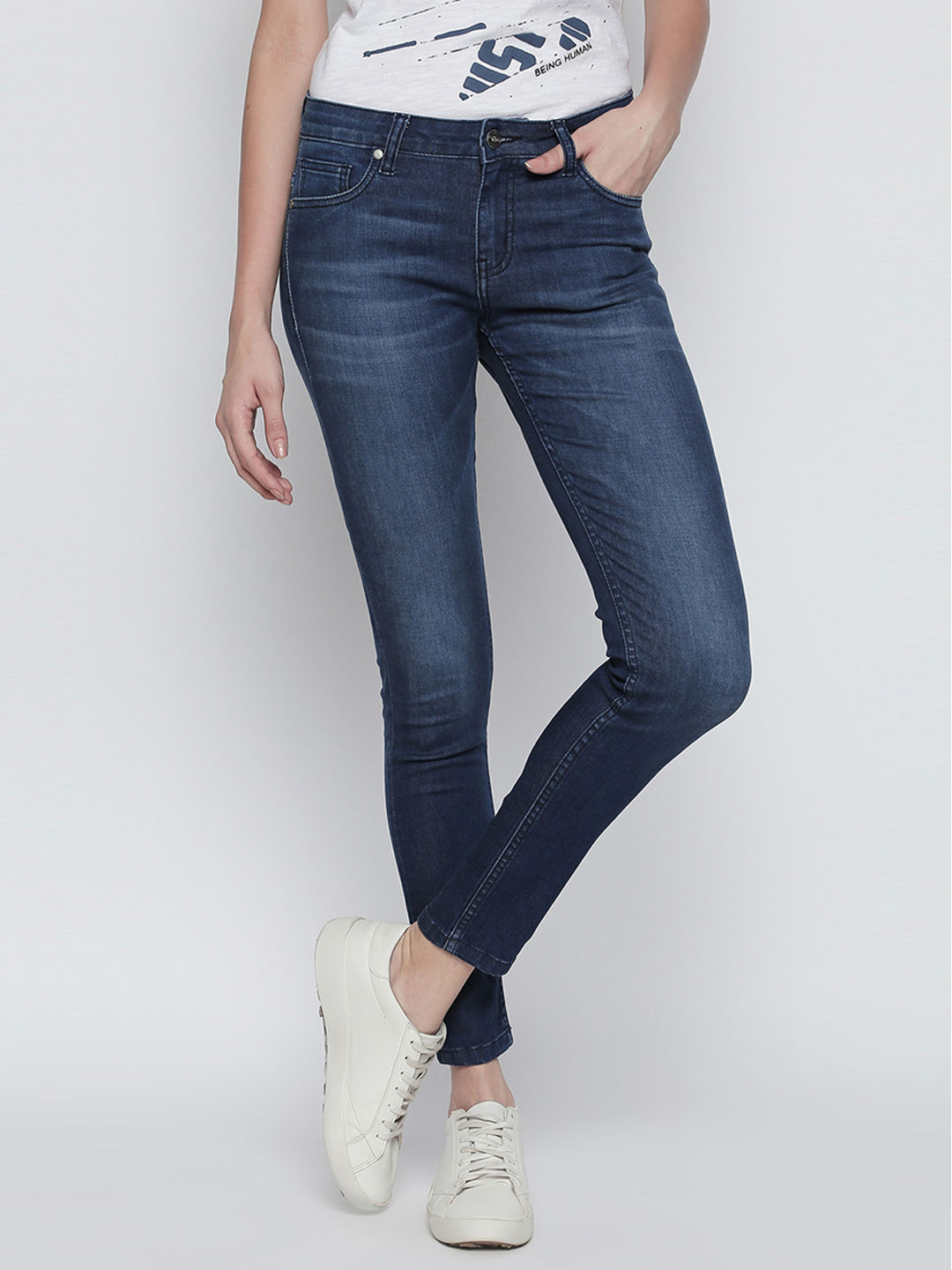 DARK BLUE SOLID CROPPED JEANS