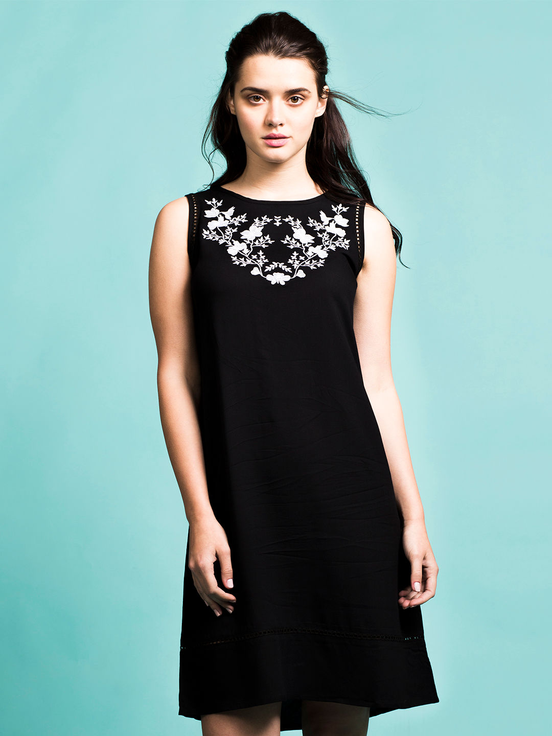 BLACK PRINTED SHIFT DRESS
