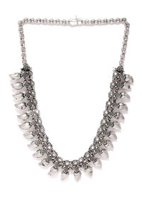 Women Silver-Toned Oxidised Leaft Necklace