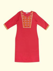 Women Embroidered Kurti