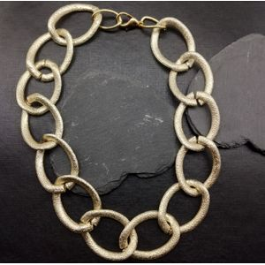 Women Gold-Toned Link Necklace