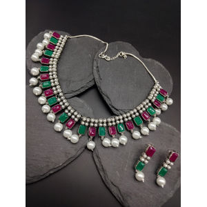 Women Silver-Plated Beaded Oxdised Jewellery Set