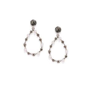 Gunmetal-Toned & White Teardrop Shaped Drop Earrings