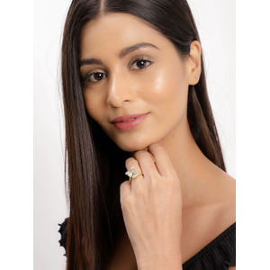 Gold-Plated Cz Wing Finger Ring For Women