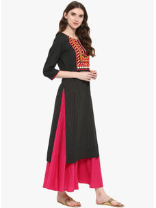 Varanga Black Embroidered Straight Kurta With Fuchsia Wrinkled Flared Palazzo