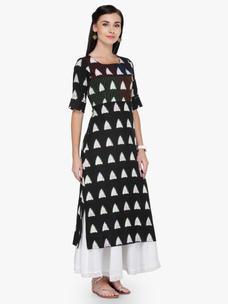 Varanga Black and White Printed Boat Neck 3/4 Sleeves Straight Kurta