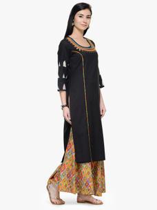Varanga Black Embroidred Round Neck 3/4 Sleeves Straight Kurta