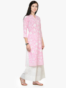 Varanga Pink Printed 3/4 Sleeves Straight Kurta