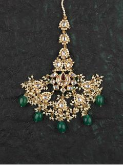 Green Bindiya Maang Tikka