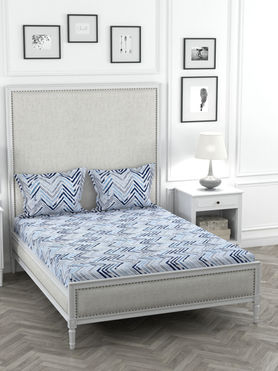 Stellar Home Oliver Collection - Shades of Blue Zig-Zag Print Bedsheet With 2 Pillow Covers (Super Soft Micro, Queen Size)