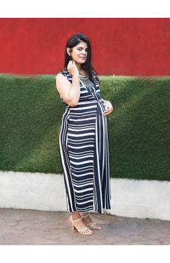 Mee Mee Fashionable Maternity Dress With Feeding Zip (Navy Blue & White)