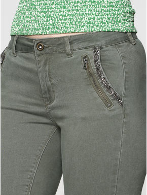 Green Low Rise Shimmer Pocket Detailing Ankle Length Skinny Fit Pants