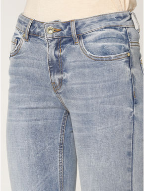 Light Blue Mid Rise Frayed Hem Ankle Length Slim Fit Jeans