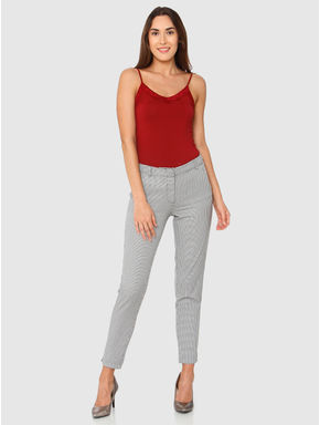 Grey Mid Rise Checks Ankle Length Slim Fit Pants