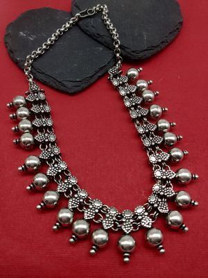 Women Silver-Toned Oxidised Ball Spike Necklace
