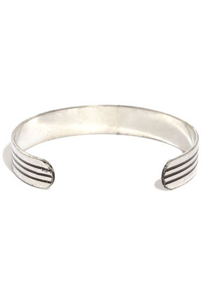 Men Silver-Toned & Black Striped Metal Cuff Bracelet