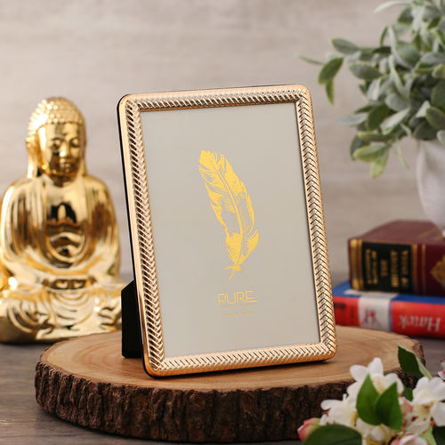 Medium Embossed Golden Tabletop Frame