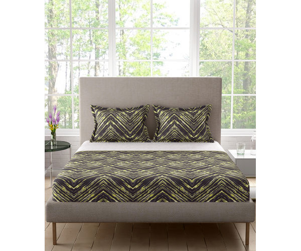 Stellar Home Lilly Plus Collection - Black & Yellow Zig-Zag Bedsheet With 2 Pillow Covers (100% Cotton, Super King Size)