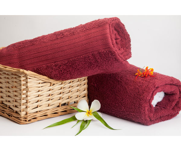 Stellar Home Premium Jacquard Collection - Small Red Plum 1 Piece Bath Towel, GSM - 380 (100% Cotton, 70 x 140 cms)