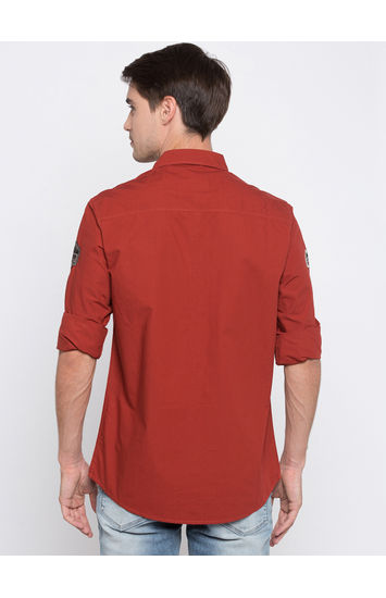 Red Solid Slim Fit Casual Shirts