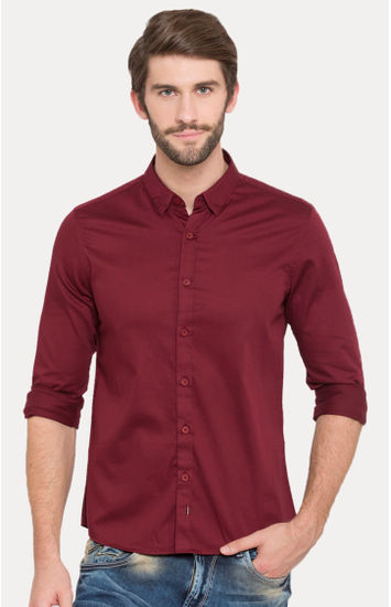 Wine Solid Slim Fit Casual Shirts