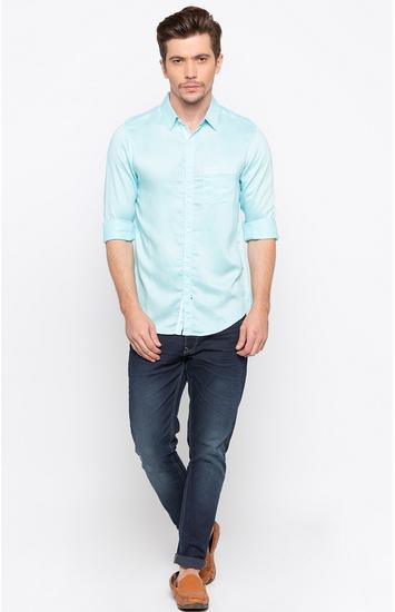 Aqua Solid Slim Fit Casual Shirts