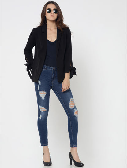 Blue Mid Rise Distressed Skinny Fit Ankle Length Jeans
