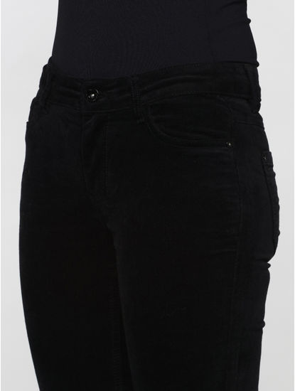 Black Mid Rise Velvet Skinny Fit Pants