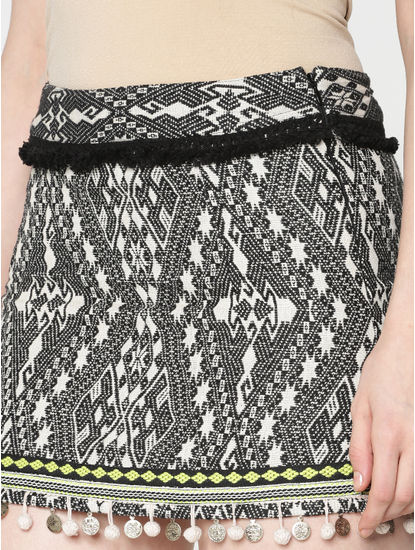 Black Mid Rise Abstract Print Slim Fit Mini Skirt