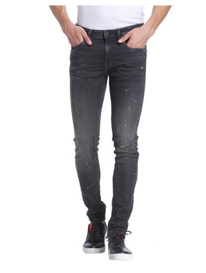 Mild Distress Jeans