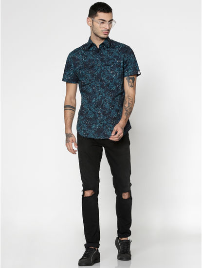 Blue All Over Leaf Print Slim Fit Short Sleeves Shirt