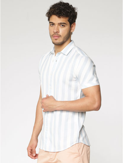 White And Blue Striped Slim Fit Short Sleeves Shirt