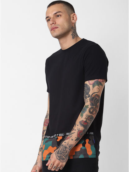 Black Camo Patch Crew Neck T-shirt