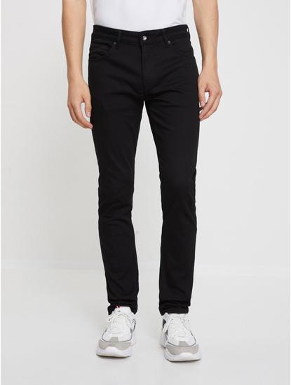 Black Solid Slim Fit Jeans