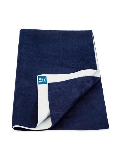 Mee Mee Baby Waterproof Bed Protector Total Dry Sheets – (Navy Blue)