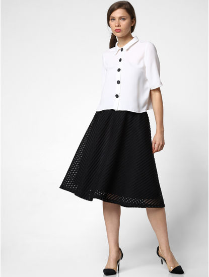 Black Mid Rise Textured Flared Skirt