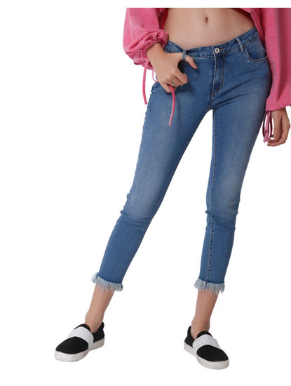 Light Blue Mid Rise Skinny Fit Frayed Ankle Length Jeans