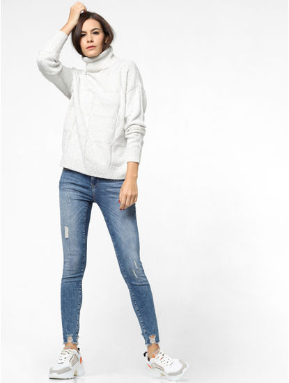 White High Neck Pullover