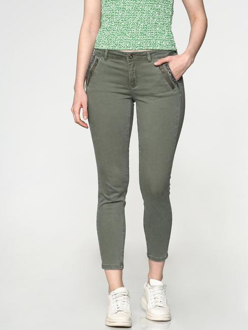 Green Low Rise Shimmer Pocket Detailing Ankle Length Skinny Fit Pants
