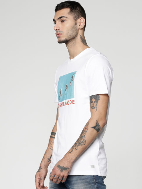 White Graphic and Text Print Slim Fit Crew Neck T-shirt