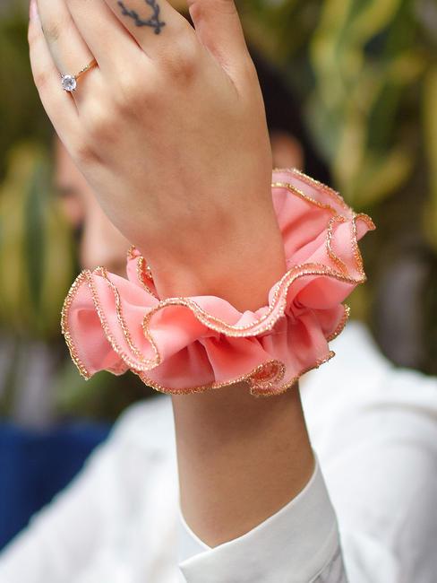 Toniq Pink Ruffled Elastic Hair Scrunchies For Women