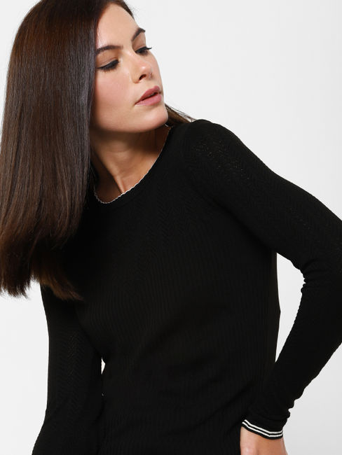 Black Contrast Tipping Pullover