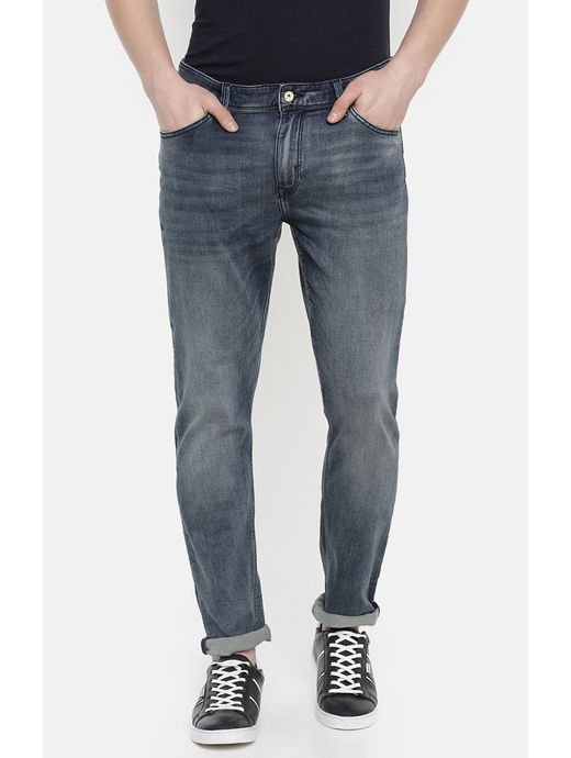 Blue Solid Tapered Jeans